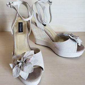 Like new White House Black Market wedge sandals